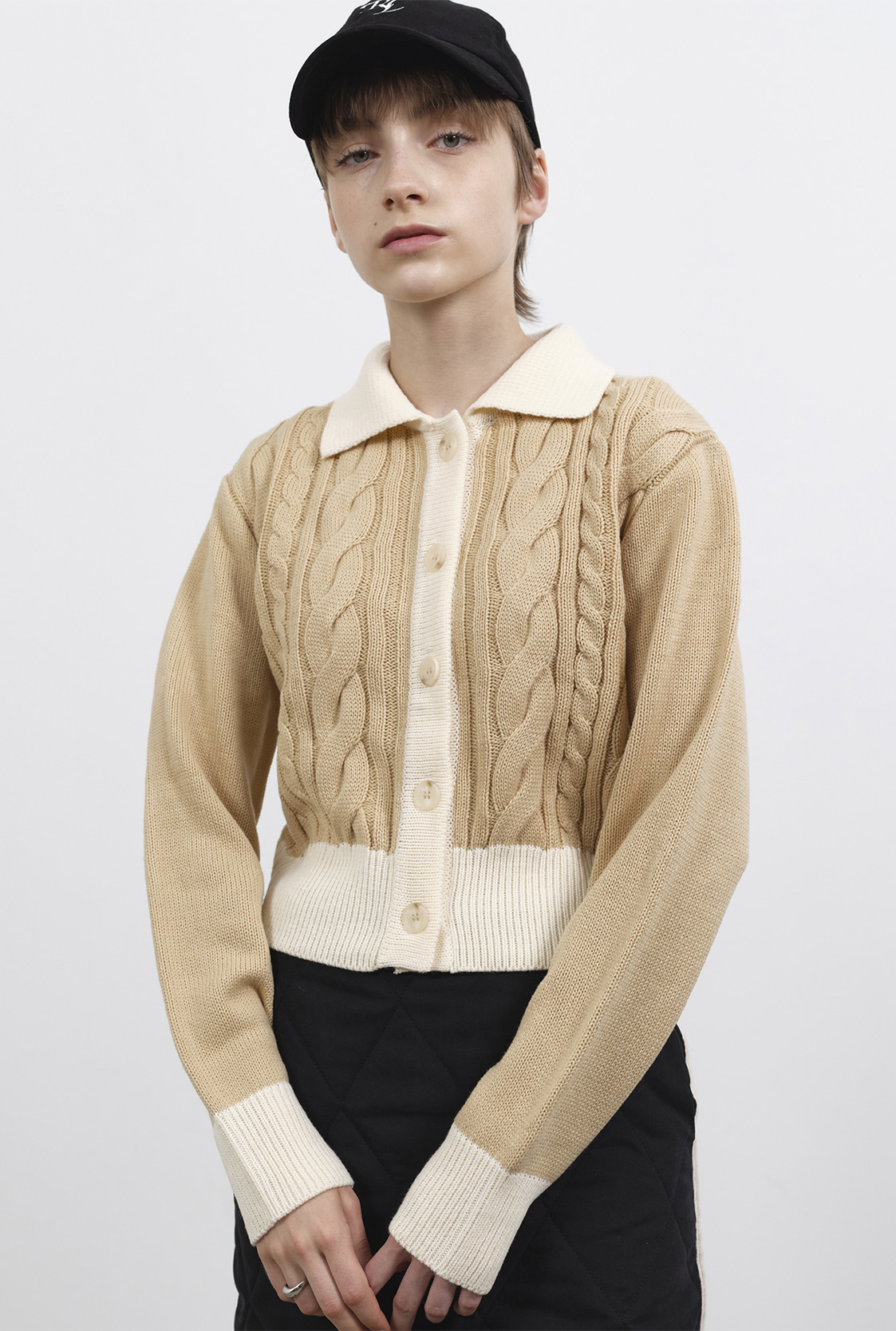R CONTRAST CABLE KNIT CARDIGAN_BEIGE