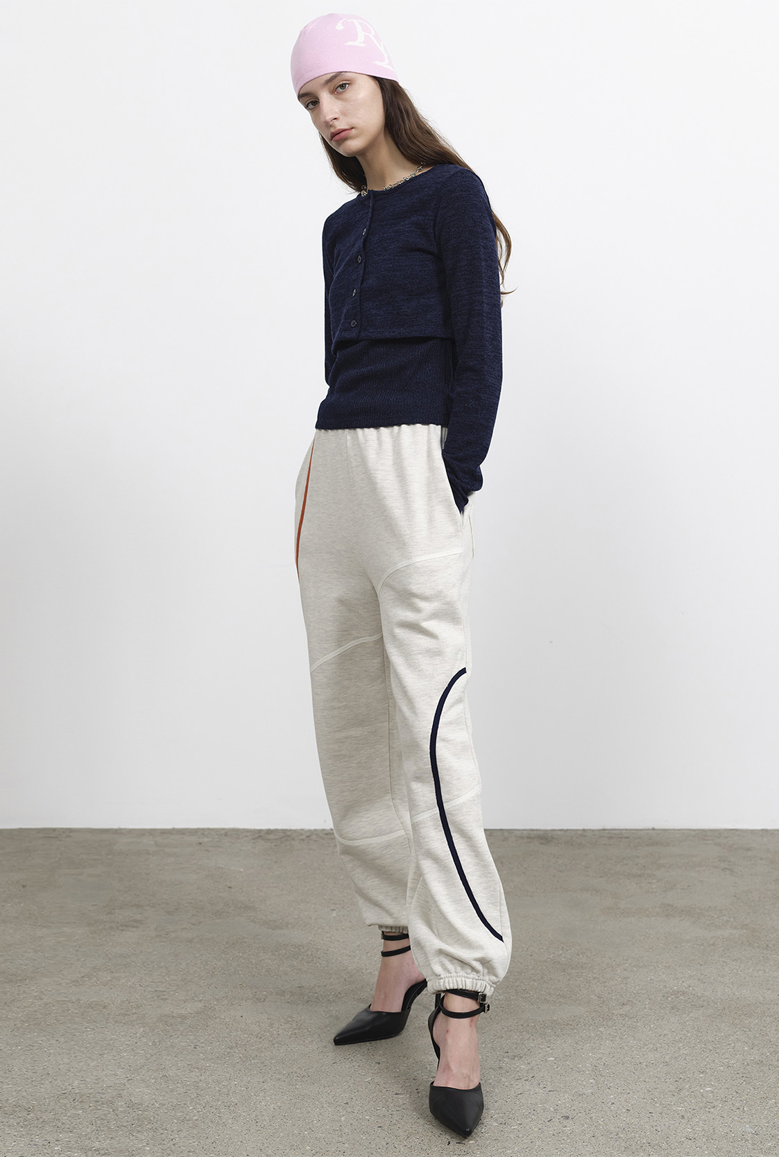 R LINE EMBROIDERY SWEAT PANTS
