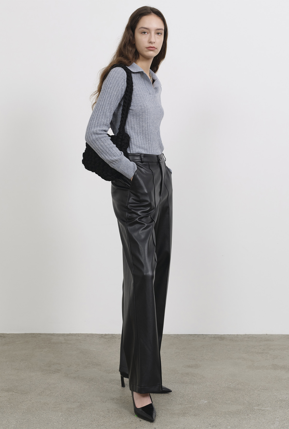 R PIN TUCK LEATHER PANTS