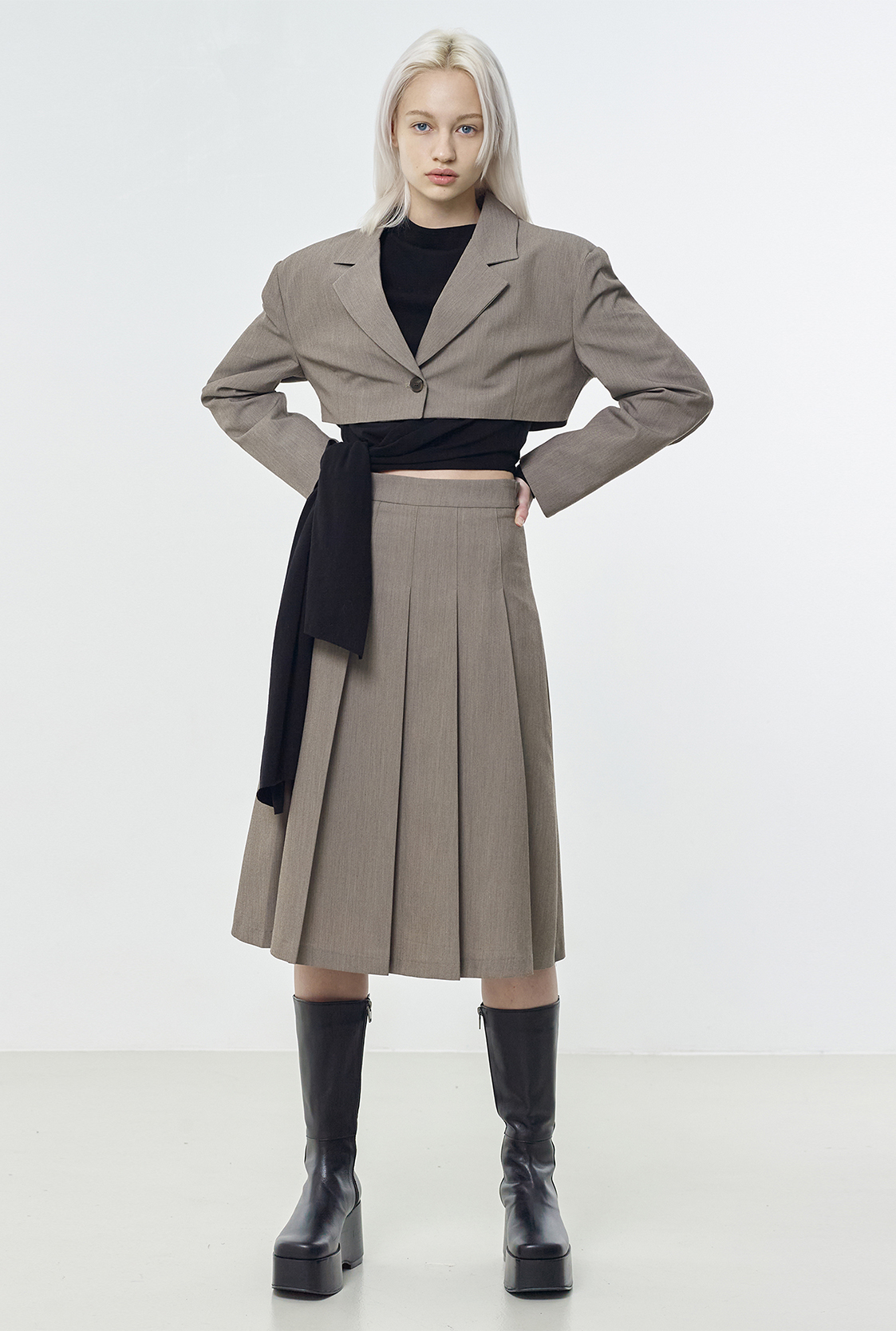 R TAILORED PLEATS SKIRT_BROWN